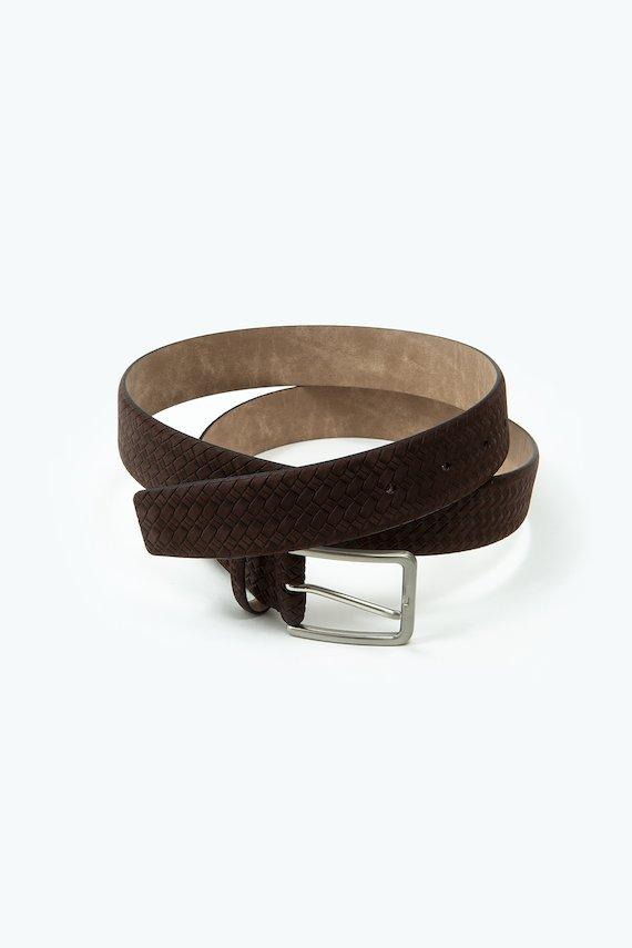 Cinturón de piel grabado