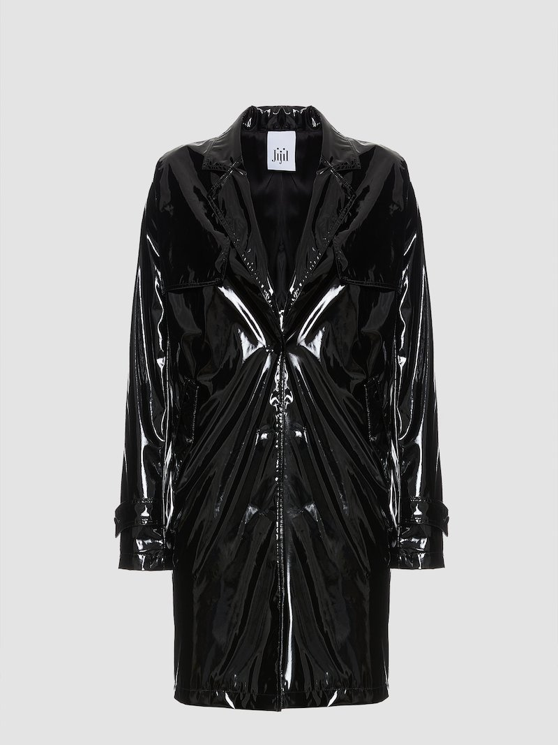 Trench coat with revers and side pockets