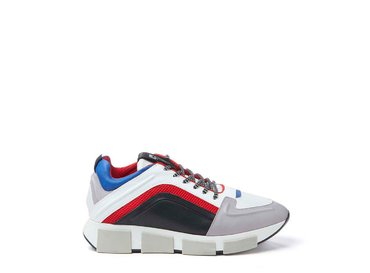 Colour block trainer