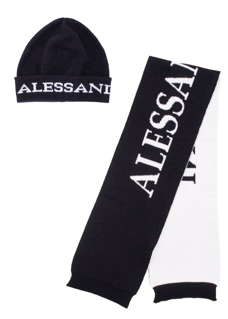 SCARF AND HAT WITH EMBROIDERED LOGO