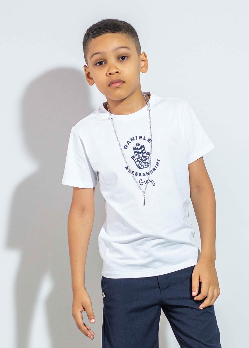 WHITE COTTON T-SHIRT WITH BRAND'S LOGO AND NECKLACE