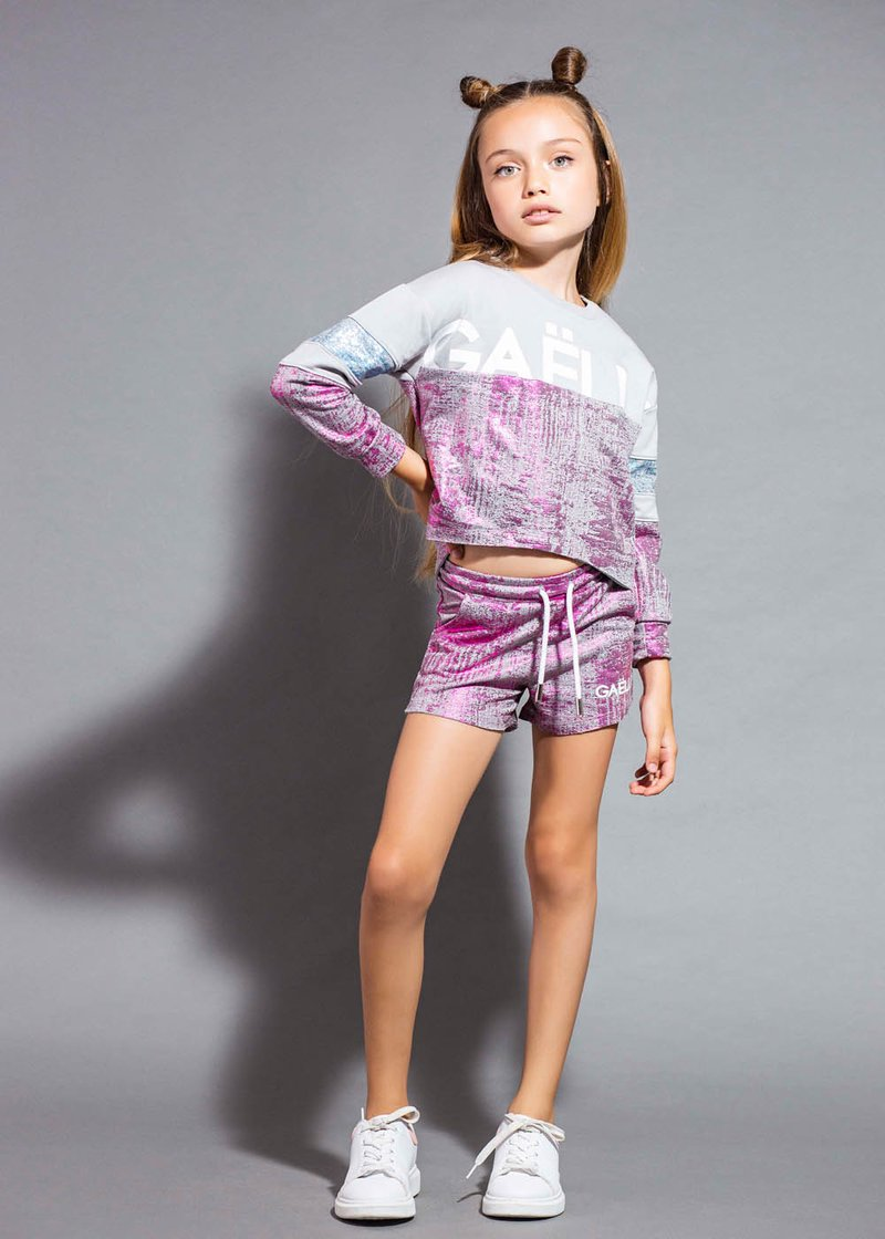 SHORT SWEATPANTS WITH LAMINATED EFFECT