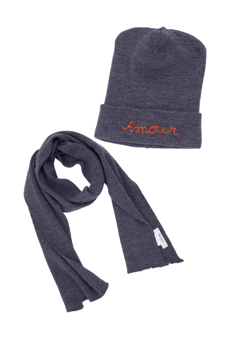 WOOL HAT AND SCARF