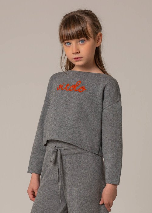 SWEATER WITH CONTRASTING EMBROIDERY