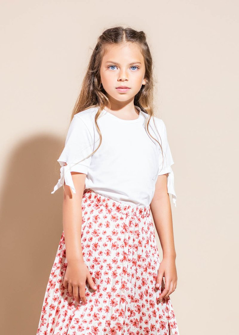 COTTON T-SHIRT WITH APPLIED LITTLE RIBBONS