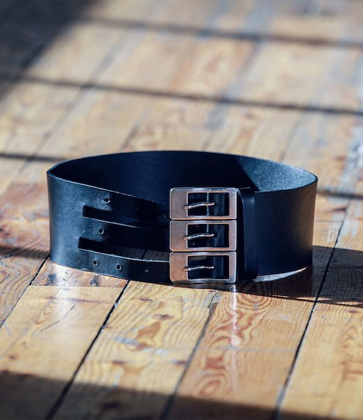 LEATHER BELT 3 SILVER BUCKLES