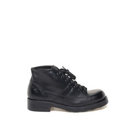 Frank<br />Black leather ankle boots