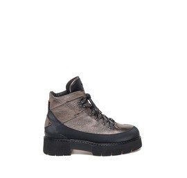 Amtrac<br />laminated trekking-style boots