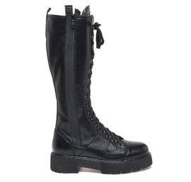Lace-up calfskin boots