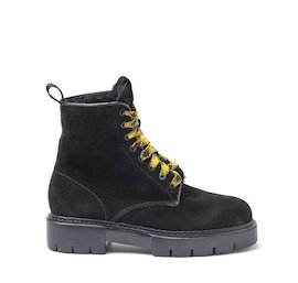 Amtrac black crust leather military boots with a sheepskin lining