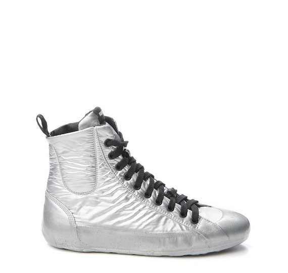 Mid-cut trainer in silver nylon