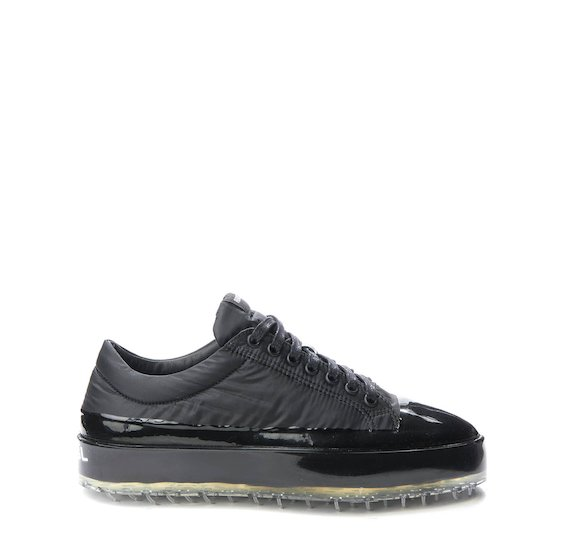 Total black nylon Sinker shoe