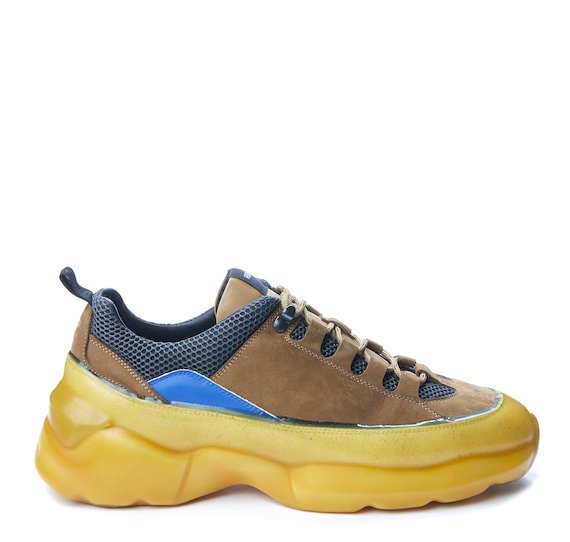 Ultra running shoe with ochre coating