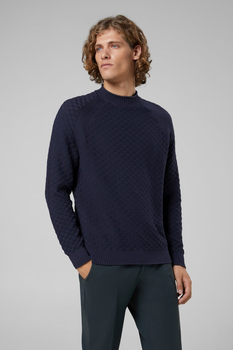 KNIT BASKET ROUND NECK