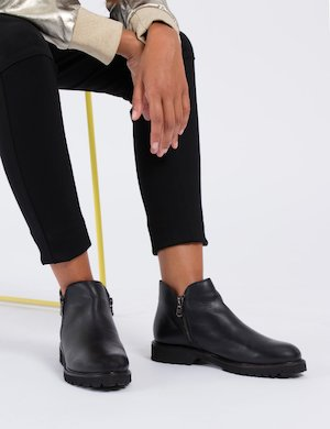 Stivale ankle boot nero con cernieraXS103 sf