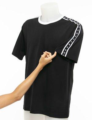 T-shirt Calvin Klein bande con logo