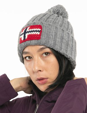 Cappello Napapijri con bandiera lavorata a maglia