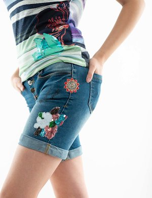 Shorts Desigual con strass