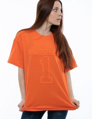 T-shirt GAeLLE con scritta tono su tono