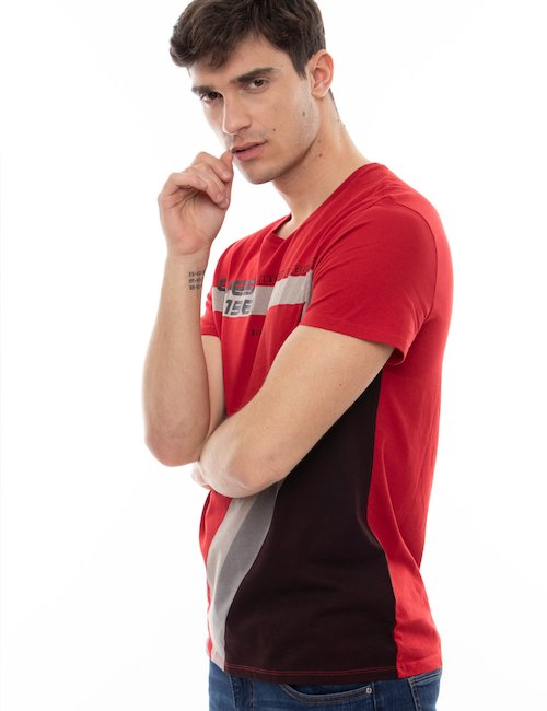 T-shirt Guess in cotone con stampa - Red_Purple