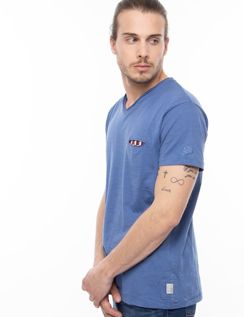 T-shirt Yes Zee con scollo a V - Blu