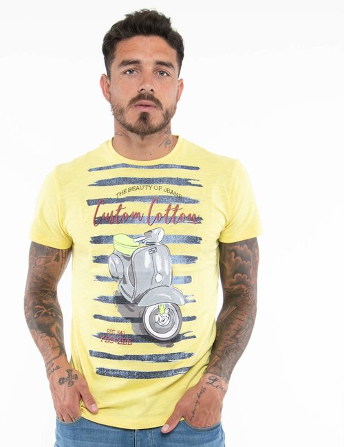 T-shirt Yes Zee con scritte in rilievo - Giallo