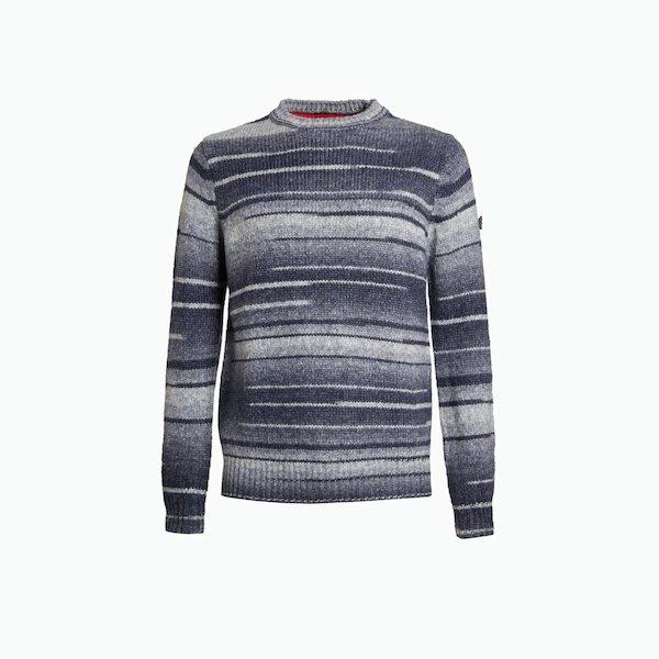 B105 sweater