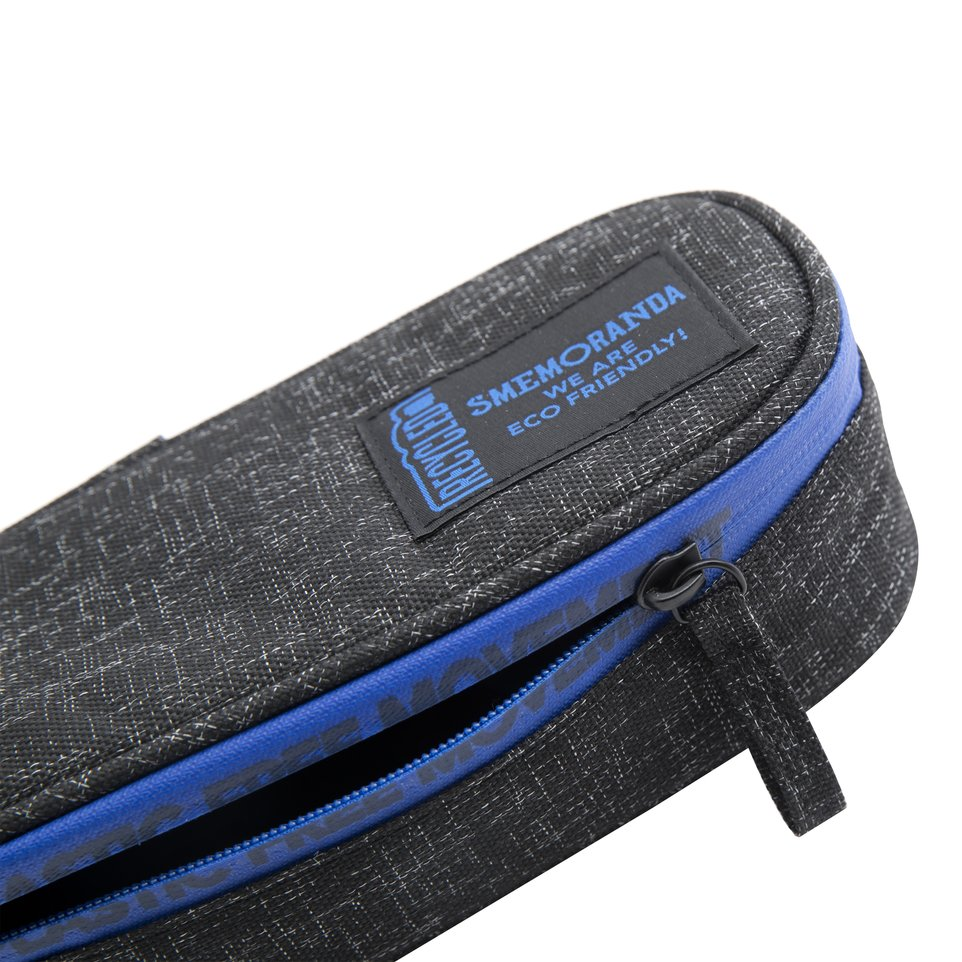 Astuccio ECO rigido nero con zip nera, coperchio e portapenne interno