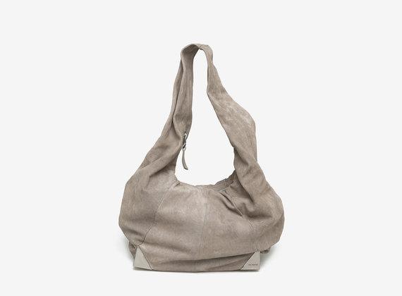 Nubuck bag with metal corners