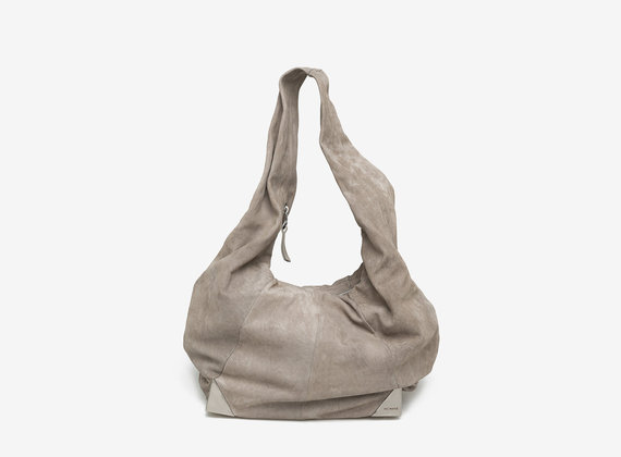Nubuck bag with metal corners