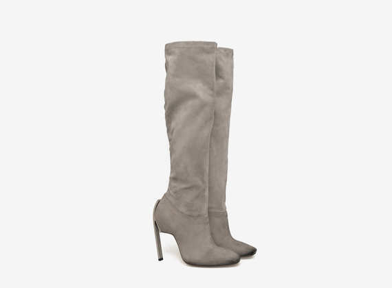 Stretch suede boots