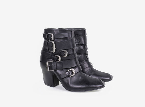 Multi-buckle low ankle boot with internal zip