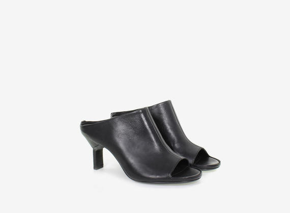 Open toe leather sabot - BLACK