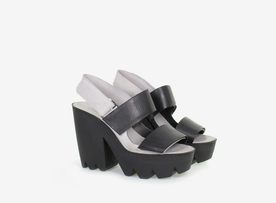 Bicolour sandal with strap and maxi rubber lug