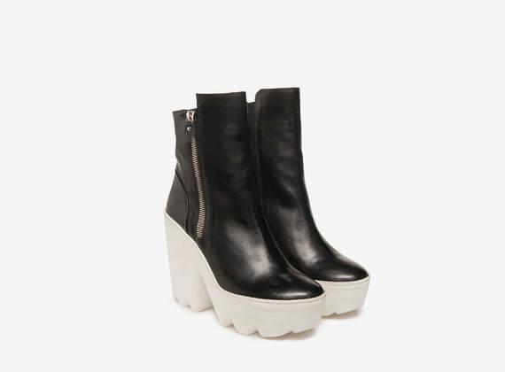 Maxi lug ankle boots