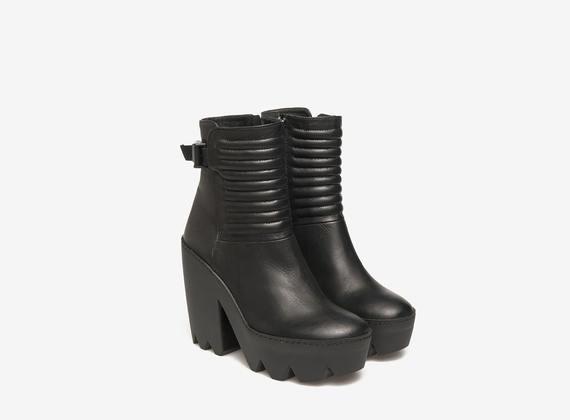 Maxi biker ankle boot heels