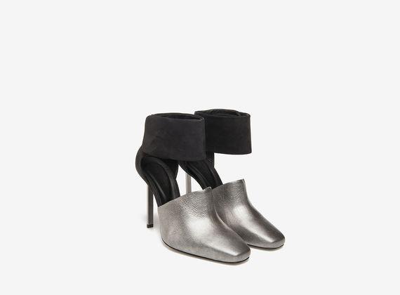 Décolleté cavigliera e tacco metallo