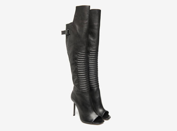 Overknee boots with metallic heels