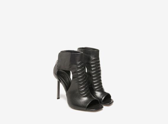 Sandales avec rembourrage et talon métallique