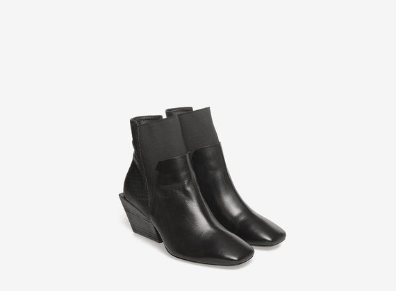 Leather Beatle geometric heels