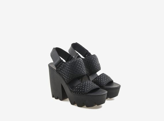 Sandalo con maxi fasce di intreccio elastico