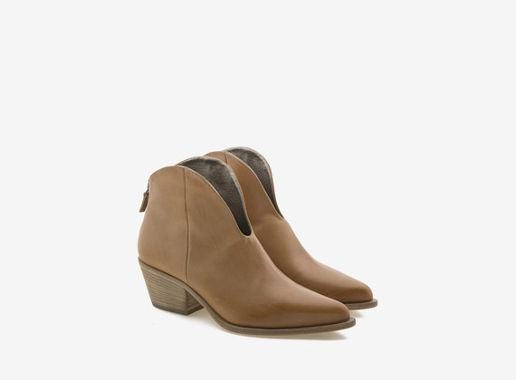 Tronchetto Texan ankle boot