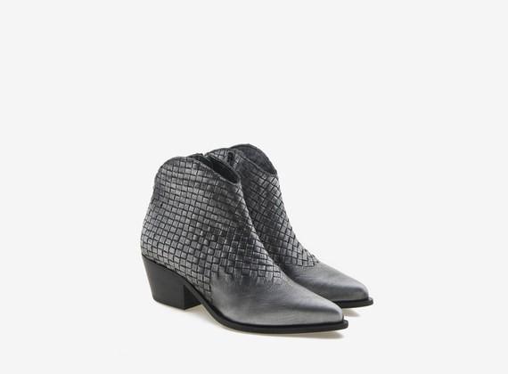 Cowboy-Stiefel aus gewalztem Leder mit Flecht-Details - Schwarz / Metall