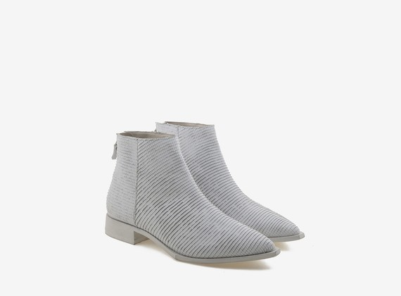 Total white engraved leather ankle boot