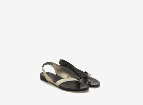 Sandalo infradito asimmetrico laminato