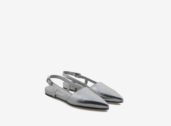 Chanel shoe with silver leather tip