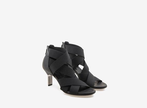 Sandalo con tacco acciaio e fasce elastiche