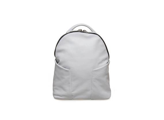 Weißer Rucksack mit Seitentaschen