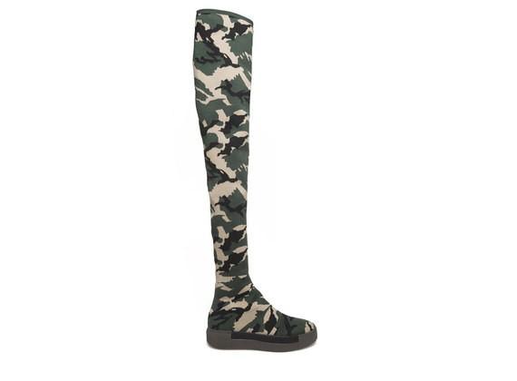 Overknee-Stiefel mit Camouflage-Dessin