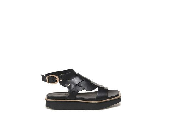 Sandalo intrecciato con flatform in micro